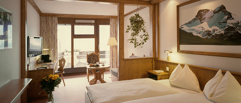 Eiger Self-Catering Apartments, Grindelwald, Bernese Oberland, Switzerland - Single bedroomDouble twin bedroom.jpg
